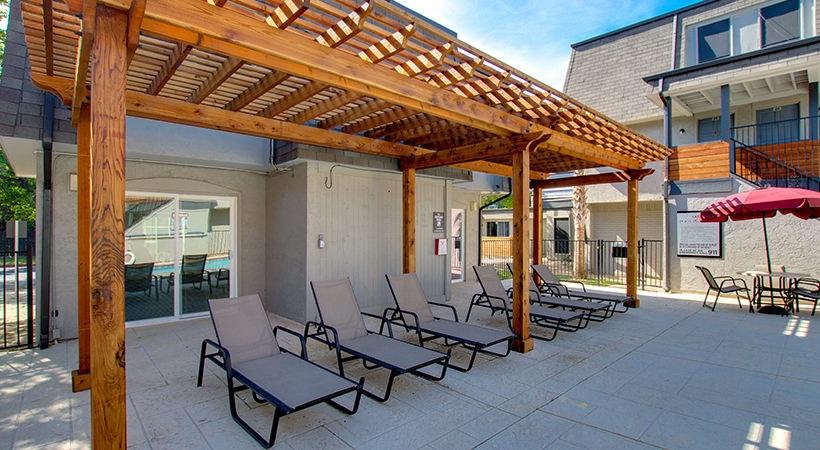 New-Outside-Lounge